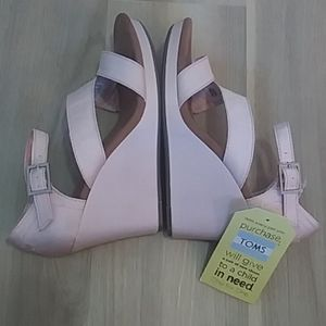 Toms Clarissa Pink Wedge Sandals Tag